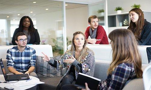 Team, Mitarbeiter, Zusammenarbeit, Konflikte, Teambuilding
